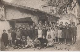 17 SAINT-LOUP CARTE PHOTO L'ECOLE EN 1920 - France