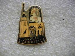 Pin's De L'Abbatiale De La Ville De ANDLAU, Sainte Richarde - Non Classés
