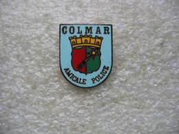 Pin's De L'Amicale De La Police De La Ville De Colmar - Police