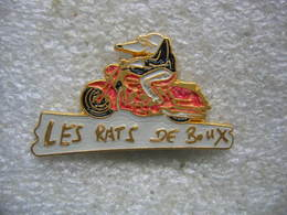 Pin's Du Moto Club Des Rats De BOUX à Bouxwiller (Dépt 67) - Motos