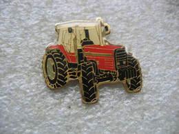 Pin's Tracteur Agricole Massey Ferguson 3000 - Transports