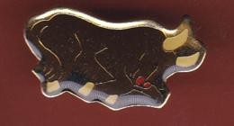 59590- Pin's. Taureau.signé Astrologie.. - Animaux