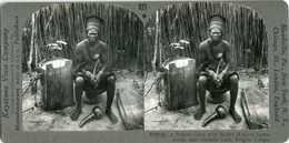Africa Congo BAKETE CHIEF BOW & ARROW DRUM GOURD MUSIC INST 20752 821x NEAR MINT - Photos Stéréoscopiques