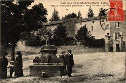 CPA St-JEAN-SOLEYMIEUX - Vieille Fontaine Provenant Du Chateau De Che. (166012) - Saint Jean Soleymieux