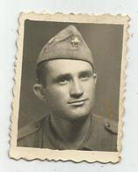 Soldier Pose For Photo Hy254-228 - Anonymous Persons