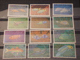 TURKS CAICOS - 1993 PESCI 4+4+4 VALORI - NUOVI(++) - Turks E Caicos