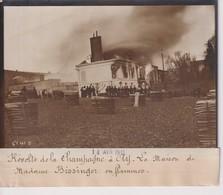 RÉVOLTE VIGNERONS CHAMPAGNE A AY LA MAISON  MADAME BISSINGER EN FLAMMES 18*13CM Maurice-Louis BRANGER PARÍS (1874-1950) - Places