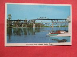 Willamette River Bridge    Oregon > Salem    >  Ref    3556 - Salem