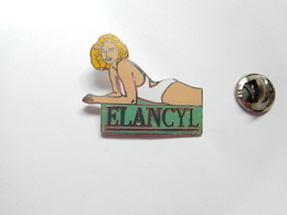 Superbe Pin's En EGF , Pin Up Elancyl - Pin-ups
