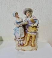 COUPLE EN BISCUIT MOUSQUETAIRE ET SA DAME - Sculture
