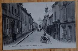 77 : Moret - La Grande Rue Et La Mairie - Animée : Petite Animation - Attelage - Commerces - (n°15981) - Moret Sur Loing