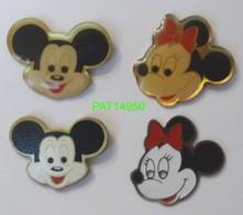 DISNEY MICKEY & MINNIE  Lot De 4 Pin's Différents Avec Attaches - Disney