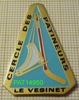 CERCLE DES PATINEURS LE VESINET  PATIN + CROSSE DE HOCKEY Sur GLACE Dpt 78 YVELINES - Skating (Figure)