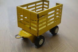Tonka Toys, Tonka Countryside, Trailer Of Yellow And Green Tractor Agrimotor  , Made In Japan, 1970's *** - Dinky