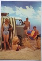 (858) Volkswagen - Campingwagen - Jongen Blaast De Strandbal Op - Badpak - P.A.R.C.-Archiv-Edition - Publicité