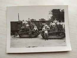 WWII Foto Wehrmacht Soldaten RENAULT PANZER TANK - 1939-45