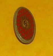 6° Dragons, Ovale, émail, 6 Rouge Foncé, Dos Guilloché, 1 Boléro Gravé, FABRICANT DRAGO PARIS,HOMOLOGATION 1017, ETAT VO - Armée De Terre