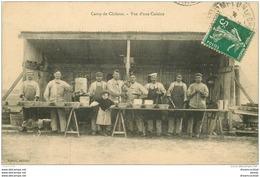 51 CAMP DE CHALONS. Militaires Dans Une Cuisine En Plein Air 1912. Cuisiniers Futurs Poilus... - Camp De Châlons - Mourmelon