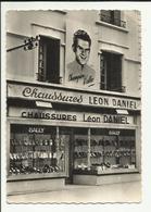 """03 . MONTLUCON .  MAGASIN DE CHAUSSURE  """" LEON DANIEL """" . BALLY . ROGER WALKOVIAK VAINQUEUR DU TOUR DE FRANCE 1956 . - Montlucon"""