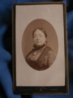 Photo CDV  Froment à Tournai  Portrait Femme (Mme Sail)  CA 1880 - L458 - Anciennes (Av. 1900)