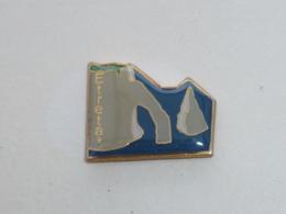 Pin's FALAISES D ETRETAT  03 - Villes