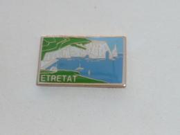 Pin's PORT D ETRETAT, FALAISES - Villes