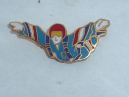 Pin's SAUT EN PARACHUTE - Parachutisme