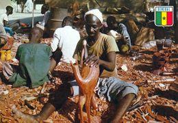 1 AK Senegal * A Sculpter At Soubedioune * - Senegal
