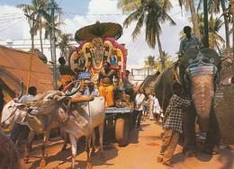 TEMPLE TRAFFIC - India
