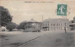 HONFLEUR - Place Thiers, Le Théâtre Et Le Kiosque - Honfleur