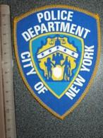 ECUSSON TISSUS   POLICE   US  NEW  YORK - Scudetti In Tela