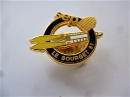 """PINS  SEP """"Société Européenne De Propulsion""""  LE BOURGET 91 Fusée / Signé Décat Paris / 33NAT - Espace"""