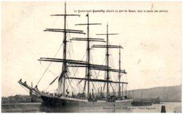 """76 Le Qatre-mats """"Quevilly"""" Attaché Au Port De ROUEN, Dans Le Bassin Aux Pétroles - Rouen"""