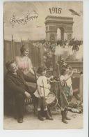 """GUERRE 1914-18 - Jolie Carte Fantaisie Enfants Soldats Avec Fusils Et Tambour Arc De Triomphe """"Bonne Année 1915 """" - Patriottisch"""