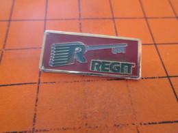 513g Pin's Pins / Rare Et  Belle Qualité !!! THEME : MARQUES / CLE CLEF REGIT - Marcas Registradas