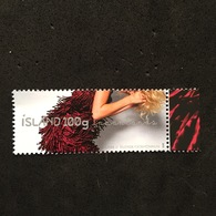 ISLAND. FASHION. DRESSES. MNH. 3R3203C - Timbres