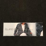 ISLAND. FASHION. DRESSES. MNH. 3R3203D - Timbres