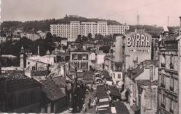 Suresnes - Place Général Leclerc Et Hôpital Foch  ** Belle Carte Dentelée De 1953 **- Ed. Yvon - Suresnes