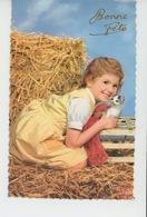 ENFANTS - LITTLE GIRL - MAEDCHEN - CAT - Jolie Carte Fantaisie Fillette Avec Chat Dans La Paille- Photochrom Glacée 1911 - Katten