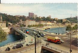 69-  Lyon Le Pont Clemenceau  Avec Motard En Train De Verbaliser - Lyon