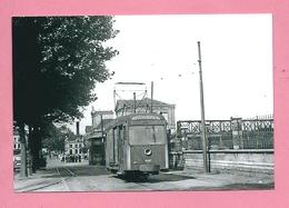Photo Namur  Le  Long  Du  Chemin  De  Fer = TRAM - Reproducciones