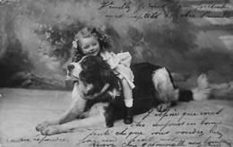 Enfant Jeune Fille Assise Sur Un Grand Chien (St Bernard ? 1906) - Scènes & Paysages