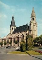 78 Poissy Eglise Notre Dame De Poissy Avec Automobiles (2 Scans) - Poissy