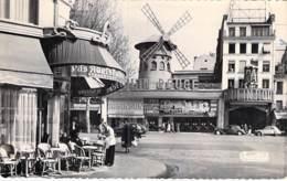 75 - PARIS LA NUIT ( Spectacle Cabaret Cinema ) LE MOULIN ROUGE Et Terrasse CAFE - Jolie CPSM Dentele N/B Format CPA - - Paris Bei Nacht