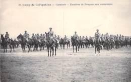 MILITARIA ( Guerre 1914-18 ) CAMP De COËTQUIDAN : Cavalerie - Escadron De Dragons Aux Manoeuvres - CPA - Morbihan - War 1914-18