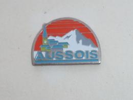 Pin's VILLE D AUSSOIS - Villes