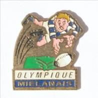 Pin's MIELAN (32) - OLYMPIQUE MIELANAIS - Rugbyman Plongeant Sur Le Ballon - I517 - Rugby