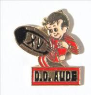 Pin's  D.D AUDE - Division Départementale - Joueur De Rugby à XV - I531 - Rugby