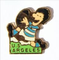 Pin's ARGELES SUR MER (65) - U.S ARGELES - Le Rugbyman - I541 - Rugby