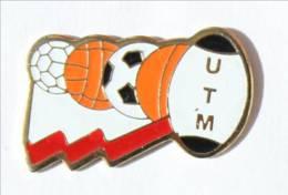 Pin's TOULOUSE (31) - UTM - Université Toulouse-Le Mirail - Différents Ballon Dont RUGBY ... - Gadimex - I561 - Rugby